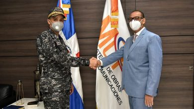 Photo of Ministro de Obras Públicas se reúne con director de la Policía Nacional