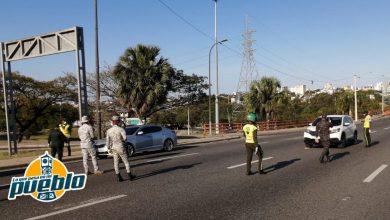 Photo of Cerca de 1,000 personas fueron arrestadas entre ayer y hoy por violar el toque de queda