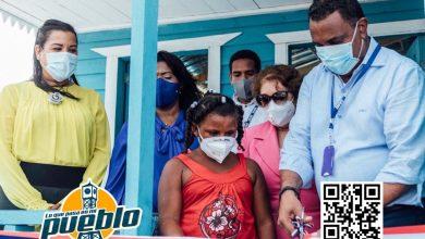 Photo of INVI entrega vivienda a familiares de una niña que sensibilizó a Abinader en Barahona