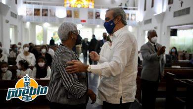 Photo of Presidente Abinader y primera dama asisten a misa madre de Altagracia Salazar