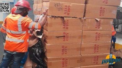 Photo of Aduanas decomisa 304,630 unidades de cigarrillos ilegales y 1,954 unidades de bebidas alcohólicas