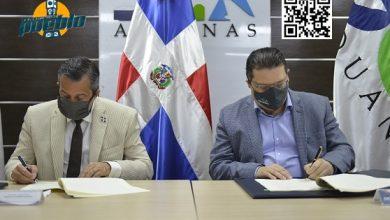 Photo of Aduanas y Medio Ambiente retirarán barco encallado en bahía Manzanillo