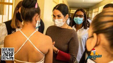 Photo of Las reclusas de Najayo Mujeres tomarán clases virtuales con computadoras donadas por primera dama