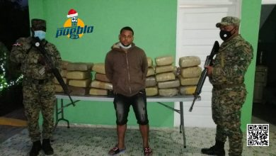 Photo of Ejército apresa hombre con 50 pacas de marihuana en San Juan