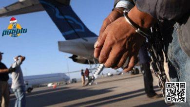"""Photo of Un total de siete dominicanos que guardaban prisión en Chile fueron deportados de esta nación por ser calificados de """"peligrosos"""" por la justicia de este país.  Los presidiarios fueron trasladados mediante un vuelo especial, el cual aterrizó en el Aeropuerto Internacional José Francisco Peña Gómez.   El viaje, que se realizó con escala en Venezuela, arribó a territorio dominicano alrededor de las 12:30 de la madrugada del sábado.  Los dominicanos, que habrían cumplido prisión por atracos, asesinatos y otros delitos tipificado de peligroso, llegaron a la terminal de las Américas en un Boeing 767- 300, matrícula 985, perteneciente a la Fuerza Aérea de Chile, escoltados por agentes fuertemente armados.  Los criollos fueron entregados a un personal de la Dirección General de Migración, encabezado por el teniente coronel del Ejército, Kelvin Antonio García Moreta.  Para el recibimiento de los siete dominicanos calificados de """"peligrosos"""", según informaron las autoridades del aeropuerto, se habilitó un espacio en el área de carga de la terminal donde montaron un operativo que contó con la presencia del Departamento Nacional de Investigaciones (DNI), la Policía Nacional, Migración y del Cuerpo Especializado de Seguridad Aeroportuaria y de la Aviación Civil (CESAC).  Los nacionales fueron trasladados hasta la sede de la Dirección General de Migración, donde están siendo depurados para verificar si tienen asuntos pendientes con la leyes dominicanas y proceder a las acciones correspondientes."""