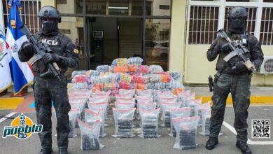 Photo of Ocupan 191 paquetes de presunta cocaína y más de 500 pacas de marihuana en Barahona