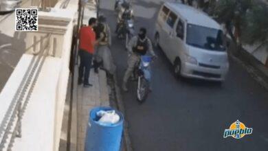Photo of Vocero dice no son policías los que apresaron hombre botaba basura