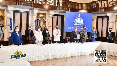 Photo of Gobierno firma convenio con universidades privadas para estudios superiores a policías y militares