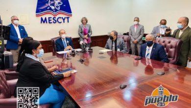 Photo of MESCYT abre convocatoria a más de seis mil becas en 40 universidades del país