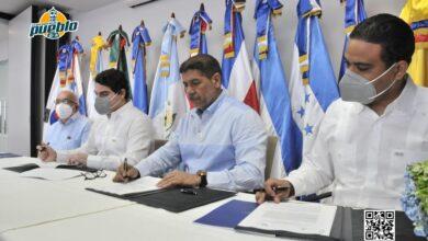 Photo of Agricultura y Banco Centroamericano firman acuerdo para modernizar el sector