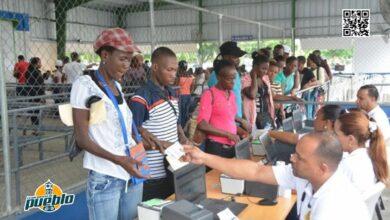 Photo of República Dominicana pondrá en marcha un carné para haitianos de la zona fronteriza