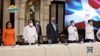 Photo of Presidente Abinader entrega 490 certificaciones de título inmobiliario