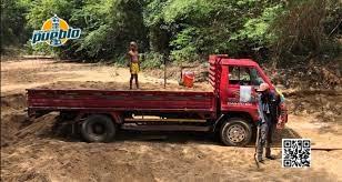 Photo of Detienen camión de alcaldía que dirige Raulín Rodríguez por extraer material de río