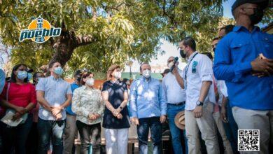 Photo of Gobierno entrega viviendas y brinda apoyo a productores de la provincia Peravia