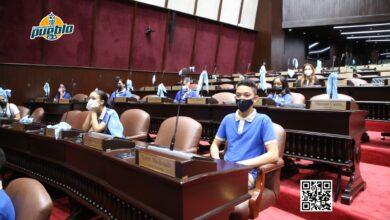 Photo of Niños con discapacidad auditiva ejercen como diputados por un día