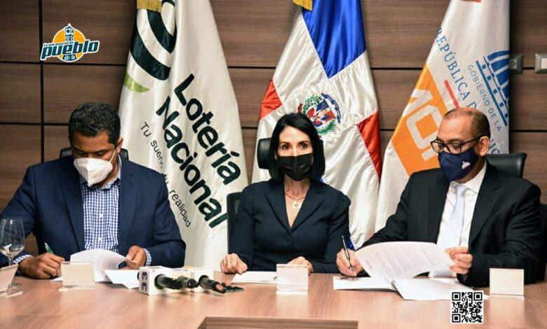 Photo of Primera dama madrina de acuerdo entre MOPC y Lotería Nacional para construirán 12 viviendas en LMF