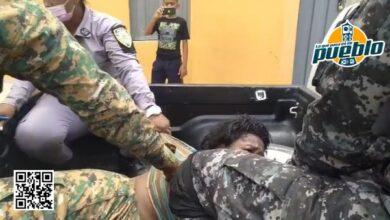 Photo of Policía apresa mujer que incendió su vivienda tras discusión con su pareja en Hato Mayor