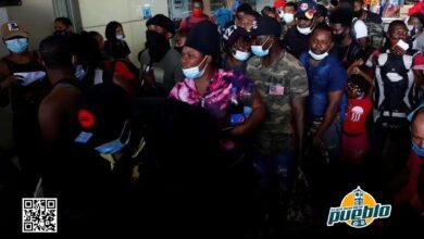 Photo of Centenares de haitianos parten hacia el norte de Colombia en una ruta humanitaria